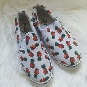 Shoes - NWOT pineapple shoes🍍